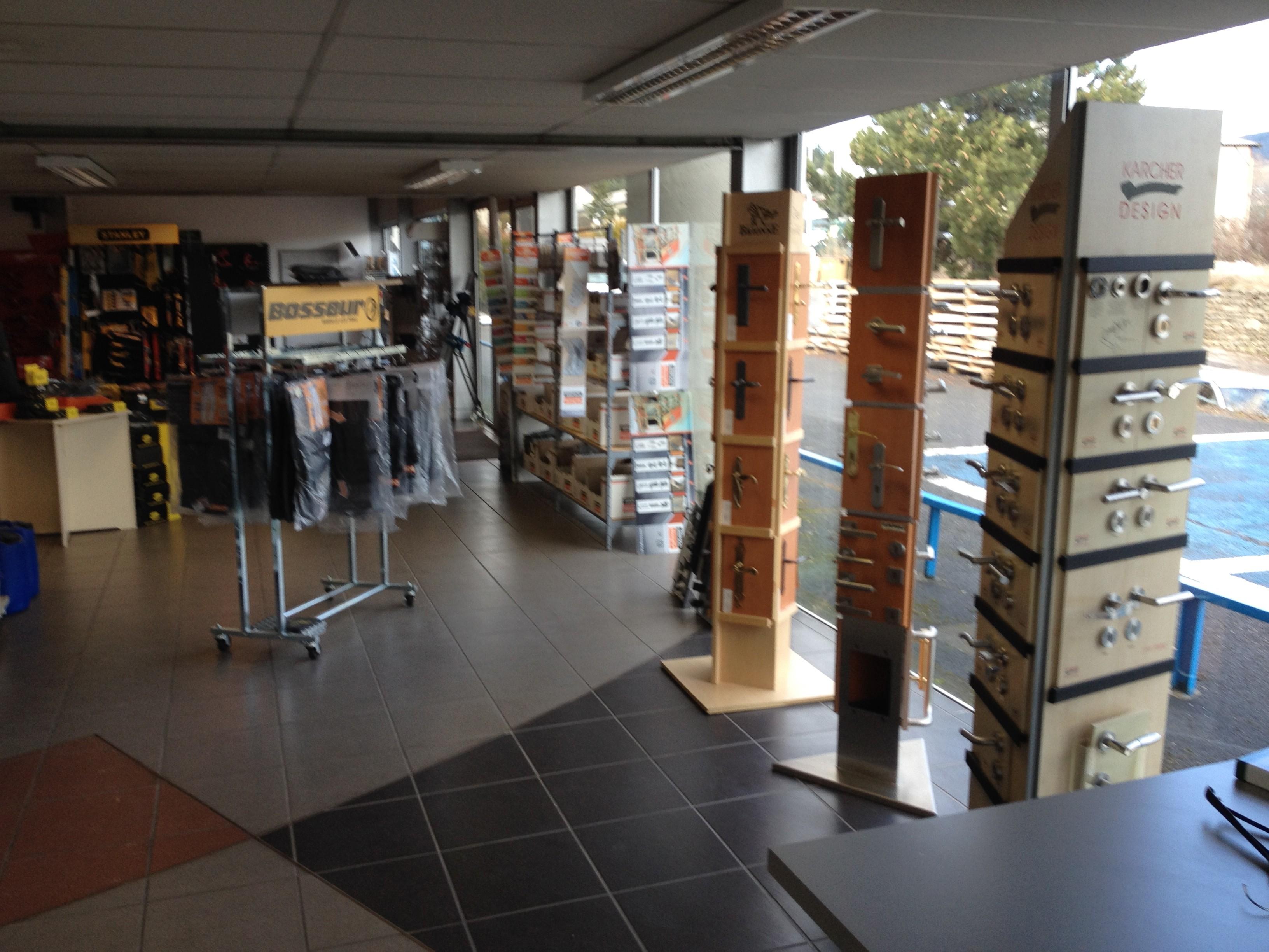 Salle De Bain Woluwe ~ Quincaillerie Les Angles Alamode Furniture Com