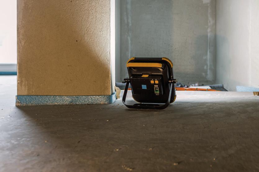 Projecteur portable LED rechargeable Blumo 2000A IP54 BRENNENSTUHL avec hauts-parleurs Bluetooth - 1171620